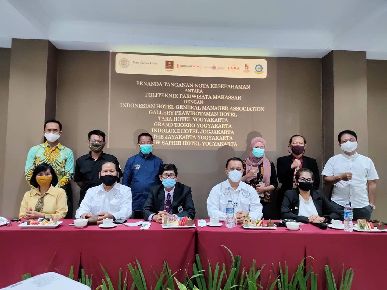 "Poltekpar Makassar Lakukan ""Pernikahan Massal"" dengan 7 Stakeholder Kepariwisataan Yogyakarta"