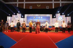 Kunjungan Menteri Pariwisata Dan Ekonomi Kreatif Badan Pariwisata Dan Ekonomi Kreatif Bapak Dr H Sandiaga Salahuddin Uno B B A M B A Di Acara Sarasehan Pariwisata Nasional Politeknik Pariwisata Makassar