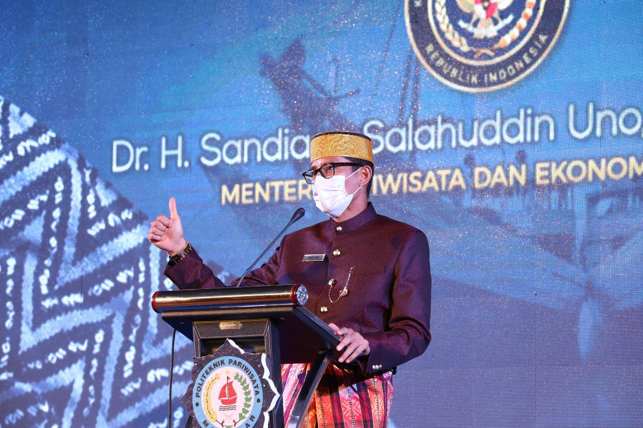Kunjungan Menteri Pariwisata dan Ekonomi Kreatif/Badan Pariwisata dan Ekonomi Kreatif Bapak Dr. H. Sandiaga Salahuddin Uno, B.B.A., M.B.A. Di Acara Sarasehan Pariwisata Nasional