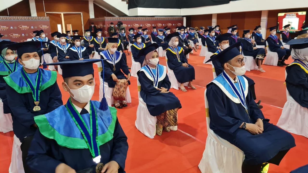 Politeknik Pariwisata (Poltekpar) Makassar kembali menggelar Sidang Terbuka Wisuda XX Program Diploma III Ahli Madya Pariwisata dan Program Diploma IV Sarjana Terapan Pariwisata